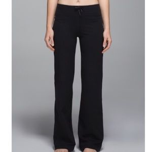 Lululemon relaxed fit pant size 6